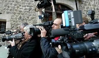 Fire av ti journalister utsatt på jobb