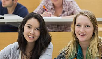 Flere kvinner enn menn studerer i utlandet