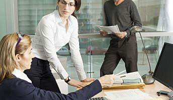Hvor lenge kan ansatte permitteres?