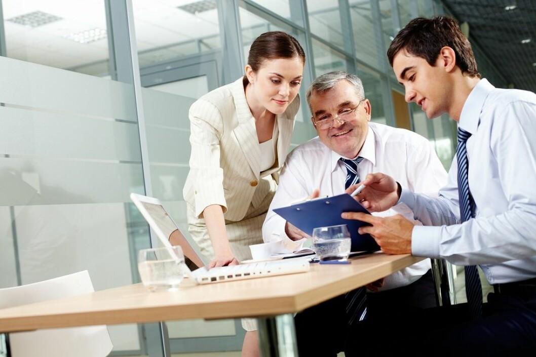 Jobbintervjuet og referansesjekk står fremdeles som de viktigste byggesteinene i ansettelsesprosessen. (Ill.foto: Colourbox)