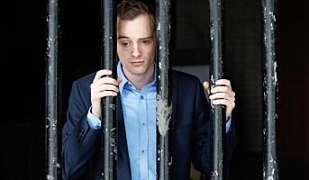 Kan en ansatt kreve permisjon eller ferie for å sone i fengsel?