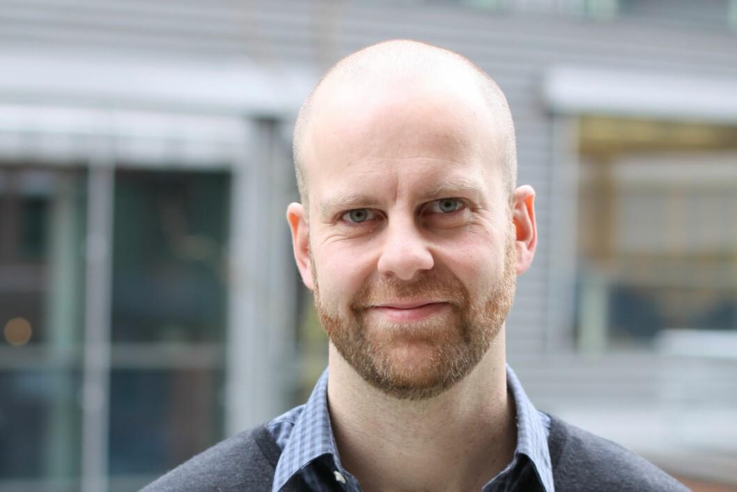 – Arbeidsgivere bør ikke la være å gripe inn i mobbesaker fordi de tror at den som mobbes er robust nok til å ordne opp selv, sier Morten Birkeland Nielsen som er forsker ved STAMI. (Foto: Ole Alvik)