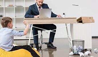 Er det ok at ansatte har med barna sine på jobb?