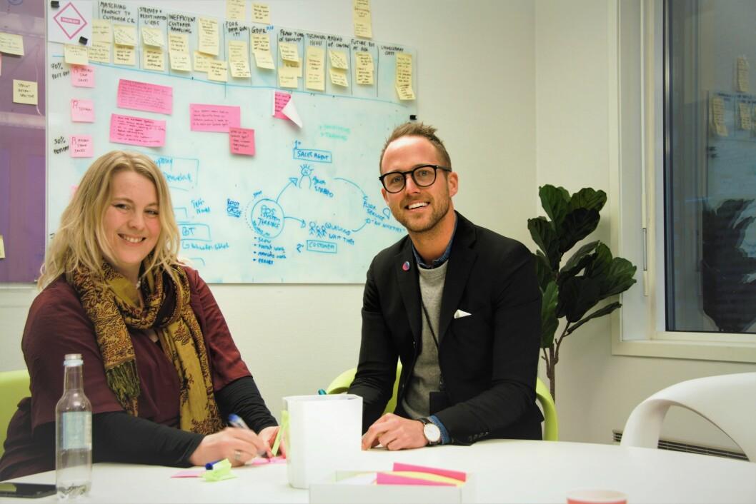 Ina Buonaventsen Kummerfeldt og Chris Hovde jobber med HR i Telia i henholdsvis Danmark og Norge.