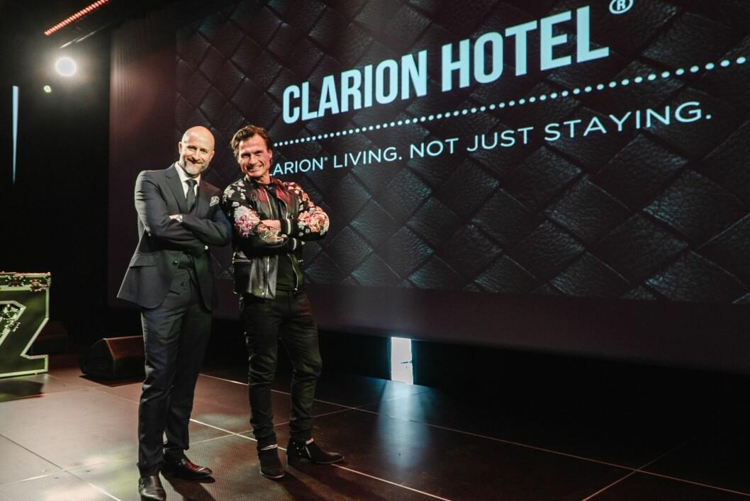 Direktør på Clarion Hotel Oslo Robert Holan og Petter A. Stordalen. (Foto: Simen Ringen)
