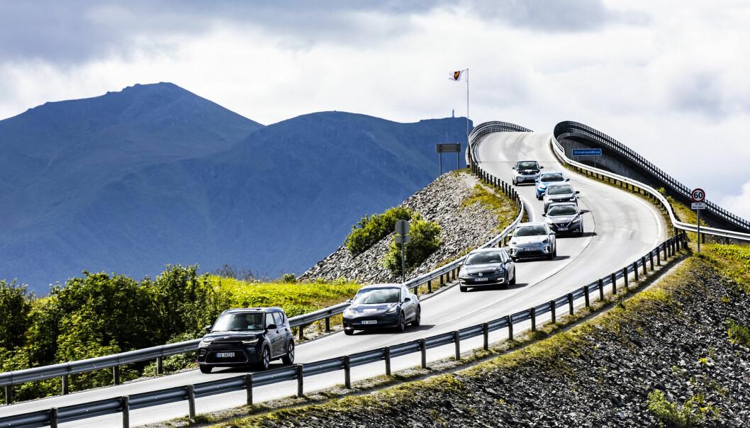 For de som skal feriere i Norge er det bil som gjelder. Nesten seks av ti, 58 prosent, sier de vil foretrekke å reise med bil når de ferierer i Norge. Legger vi til bobil og MC er vi oppe i syv av ti.