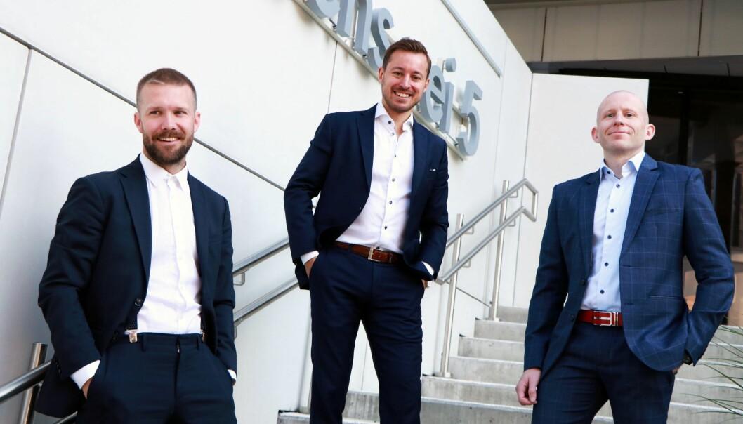 Daniel Karlsen (fra venstre) i Semine ser frem til å samarbeide med Einar Michaelsen og Tom Einar Nyberg i KPMG om å digitalisere og effektivisere regnskapsprosesser hos norske bedrifter.