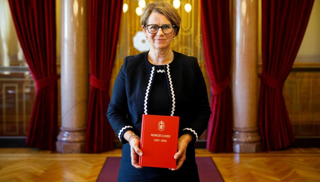 – Det er faktisk ganske unikt at vi i Norge har en samling av alle gjeldende lover tilgjengelig i ett trykt bind. Dette har Stortinget ønsket å videreføre, sier stortingspresident Tone Wilhelmsen Trøen.
